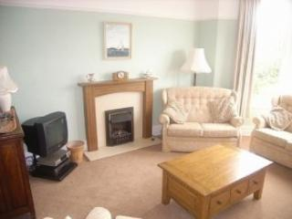 Very Spacious Apartments, short walk to the beach, Abersoch