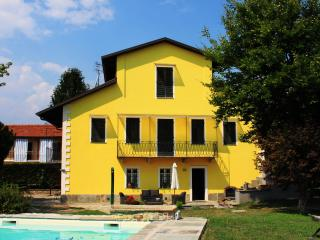 Ca Caudera , antica villa di campagna, Cavour