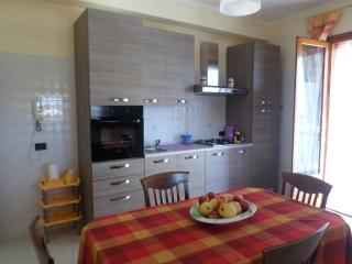 Spacious apartment, view of the sea and Mount Etna