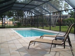 Family friendly retreat, Quiet, Clean, Heated Pool, Cape Coral