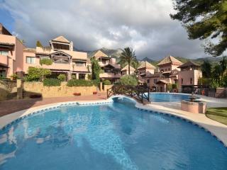 Villa Sierra Blanca 32786, Marbella