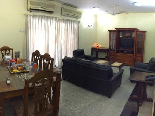 Centrally Located 3 Bed Room Apartment, Bombay