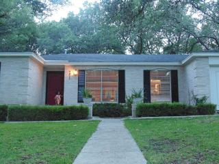 3/2 Charming Cozy 1story House in culdesac