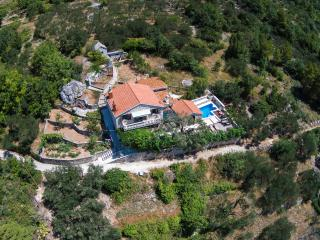 Villa Keti**** Makarska with heated Pool