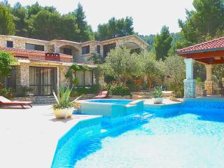 "Stone house Villas - ""Romantic"", Vela Luka"