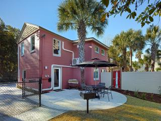 Perfect family vacation location, near the beach, restaurants and pet friendly!