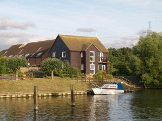 A riverside ground floor apartment with balcony, Sandford-on-Thames