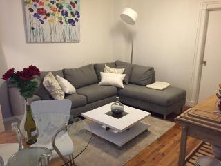 Stylish 2BR! 2 min to Central Park!, Nueva York