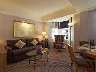 2 Bedroom apartment in the heart of Mayfair, London