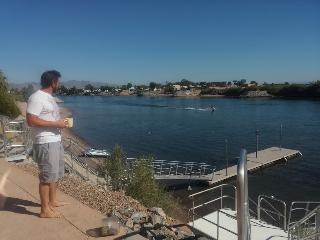 Waterfront 5bd 6 bth home on the river near Havasu, Needles