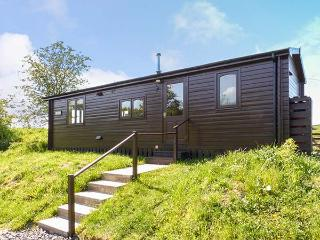THISTLE DOO, single-storey lodge, country views, horse stabling, walks and