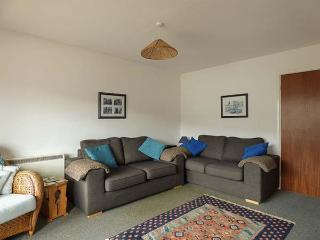 KERNOW COTTAGE, upside down house, ground floor bedrooms,private patio, WiFi