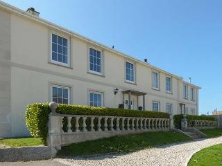 TREMANNERS, first floor apartment, private garden with BBQ, WiFi, in St.Agnes, R