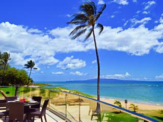 BEACHFRONT LUXURY ALOHA VILLA #1, CHILDREN WELCOME, Kihei