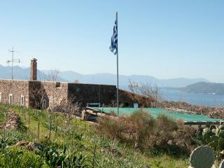 Bungalow in  Aegina, Pachia Rachi