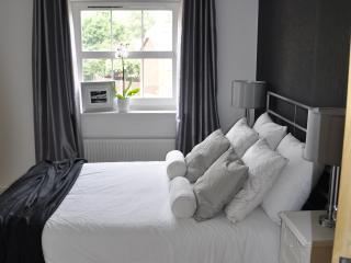 Double Bedroom with en suite Bathroom Comfortable Mattress