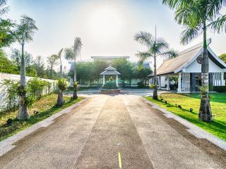 Villa Viktor, Ko Kho Khao