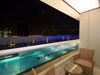 Canal View Studio Apartment, Dubai