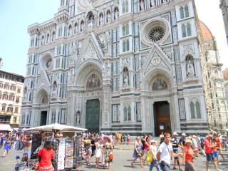 FineStay Florence Duomo Centre with Garden