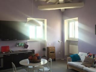 Colorful apartment in the city center, Foligno