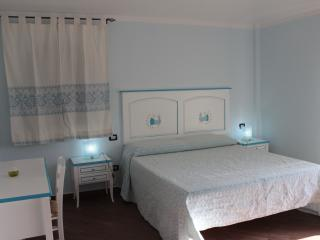 BED AND BREAKFAST SCERI'. CAMERA MATRIMONIALE., Ilbono