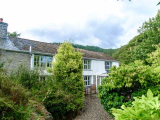 Panteidal farmhouse (sleeps 8) & Gatehouse (4), Aberdyfi (Aberdovey)