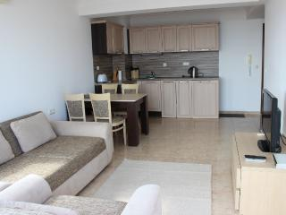 "1 bed apartment in complex ""LAZUR 5"", Sveti Vlas"