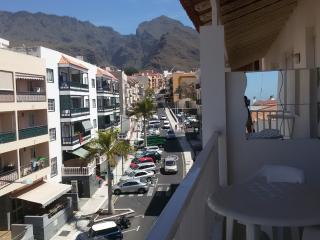 Adeje, 2 bedrom,balcon with seaview ,adsl WIFI