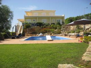 Villa Encosta da Praia,Ferragudo, 2016 heated pool