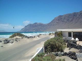 BUNGALOW TONZEFY IN FAMARA FOR 4P, Famara