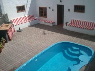 VILLA BICHORE IN PUERTO DEL CARMEN FOR 8P, Tias