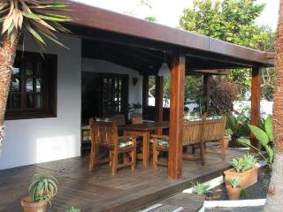 VILLA COSTANA IN COSTA TEGUISE FOR 6P
