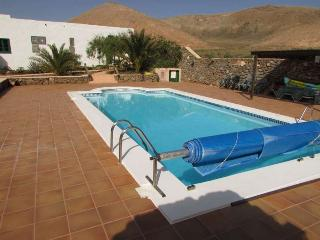 VILLA GAIALL IN FEMES FOR 12P