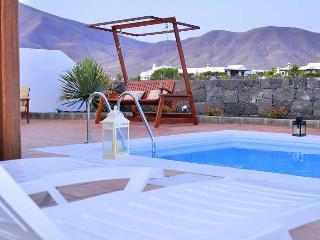 VILLA JAGRAN IN PLAYA BLANCA FOR 6P, Playa Blanca