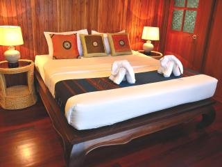 Master bedroom (Airconditioned)