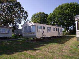 Isle of Wight Caravan Holiday Let (Willow), St Helens