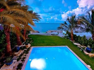 Jewel of the Bay: LUXURY Waterfront Home, Breathtaking Views! Pool,Spa,Elevator!