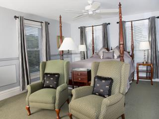 Glynn House Inn: Coolidge Deluxe Bedroom, New Hampton
