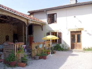 Country/mountain/lake walks - S.W.France- B&B - Sleeps 1- 4  FREE parking - WiFi