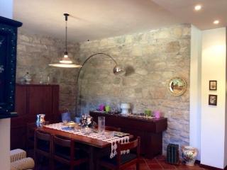 Casa Elegante Indipendente con Giardino, Acquasanta Terme