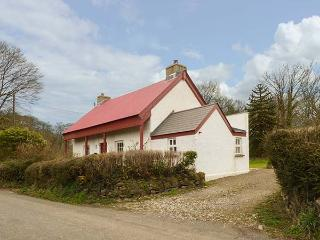 DERRY COTTAGE, woodburner, country location, WiFi, Grade II listed, near Whitlan