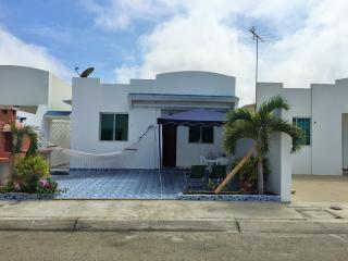 Bonita Villa en Salinas Urb. Ciudad Punta Carnero