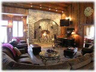 Yelowstone Vacation Lodge. Your own private. Families,Friends,Weddings.Retreats., Gardiner