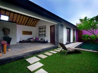Anjali Purple Luxury 1 Bedroom Villa & Pool, Petitenget, Seminyak