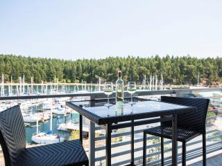 Oceanfront Suite with Ocean & Marina Views, Nanaimo