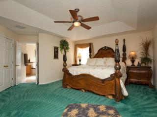 The Emerald Dream Palace, Luxurious Retreat with S, Kissimmee
