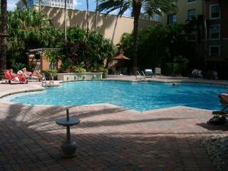 Palm Beach Coastal Living - Courtyards, Cityplace