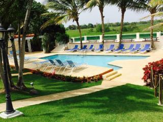 Mansion Hacienda Villa Bonita  -   Sleeps 50!, Aguadilla