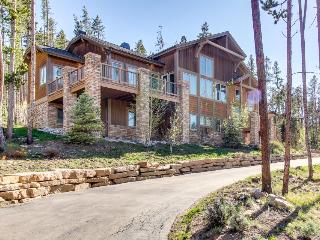 Mountain views from luxury home w/hot tub, game room, & more