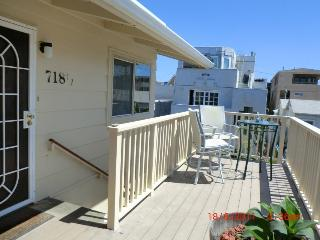 Charming condo in Mission Beach w/lovely views & close beach & boardwalk access!